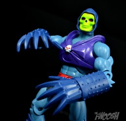 Masters-of-the-Universe-Classics-MOTUC-Terror-Claws-Thunder-Punch-Review-claw-strut