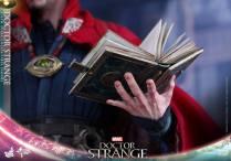 hot-toys-marvel-dr-strange-13