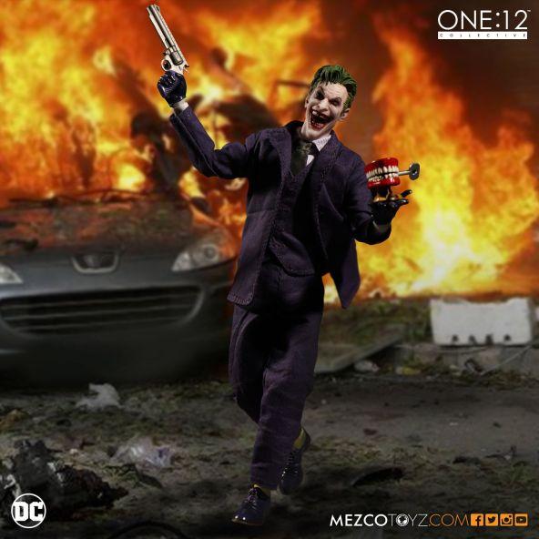 mezco-toyz-one-12-collective-dc-joker-01