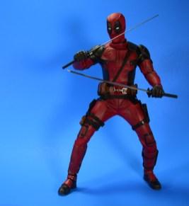 hot-toys-movie-masterpiece-deadpool-mms-437-ryan-reynolds-07