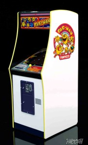 FREEing-Bandai-Namco-arcade-cabinet-review-pac-man-side