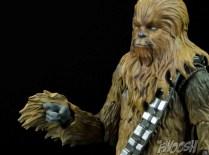 SH-Figuarts-Bandai-Star-Wars-Chewbacca-Review-trigger-hand
