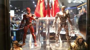 Medicom MAFEX Justice League Diamond Booth SDCC 2017 03