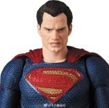 Medicom MAFEX Justice League Superman Promo 03
