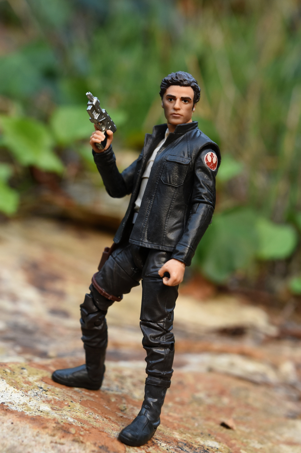black singles in dameron Poe dameron was a human male ―poe dameron, forming black he showed to be skilled enough to fire repeatedly without wasting a single energy burst.