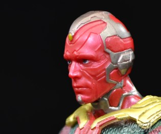 Hasbro-Marvel-Legends-Toys-R-Us-Avengers-Pack-Review-Vision-profile-2