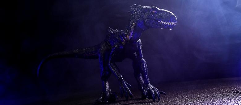 Mattel Jurassic World Indoraptor Fwoosh