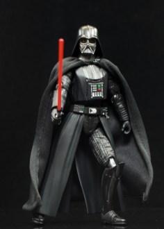 SH-Figuarts-Bandai-Star-Wars-ANH-Darth-Vader-Review-en-garde
