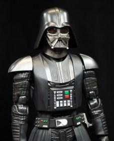 SH-Figuarts-Bandai-Star-Wars-ANH-Darth-Vader-Review-no-cape