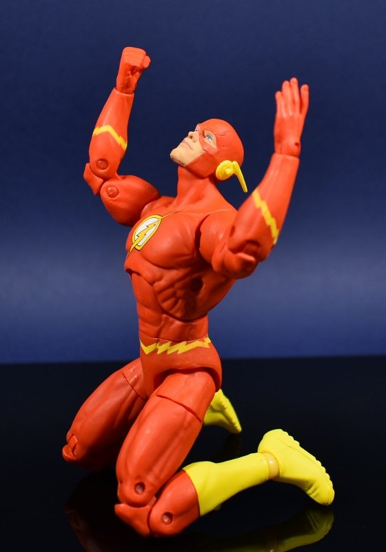 DC Collectibles Essentials Flash and Reverse flash (11)