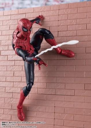 Bandai SH Figuarts Far From Home Upgrade Spider-Man Promo 07