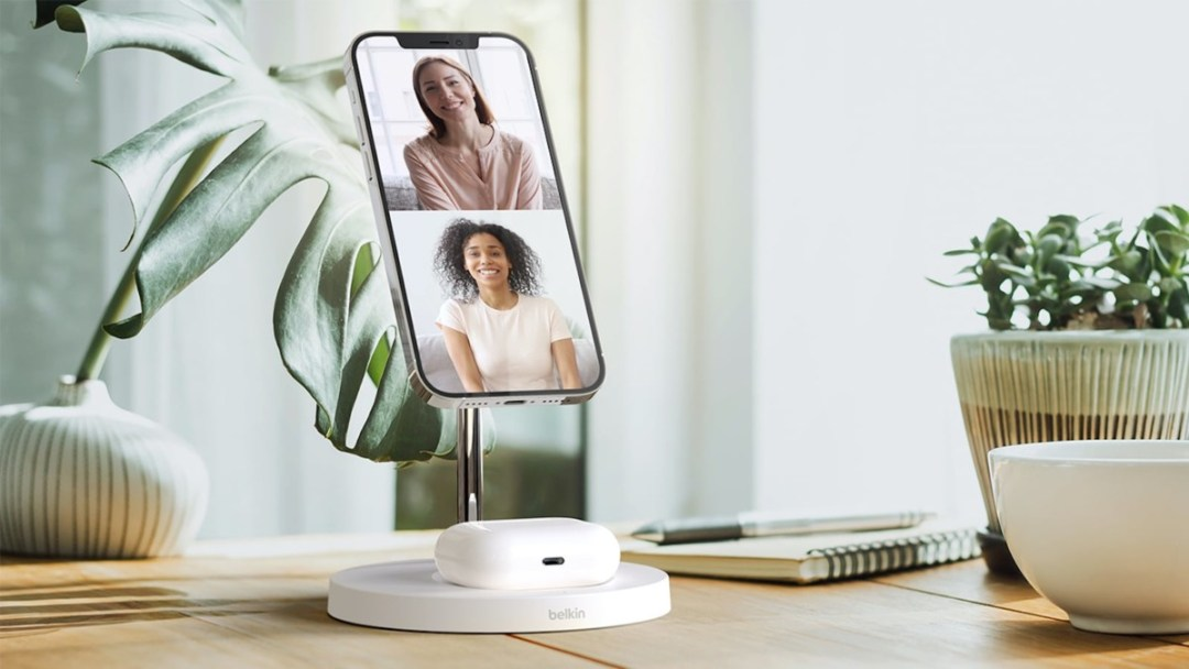 Belkin BOOST↑CHARGE™ PRO 2-in-1 Wireless Charger Stand