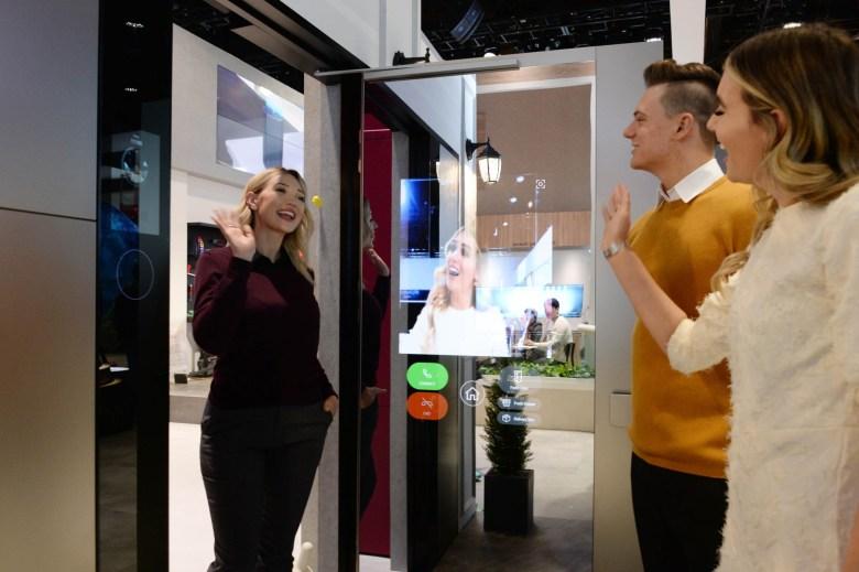 LG Smart Door-1