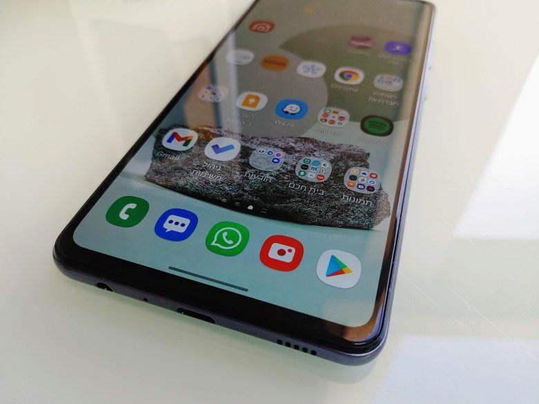 סמסונג Galaxy A72. צילום צחי הופמן