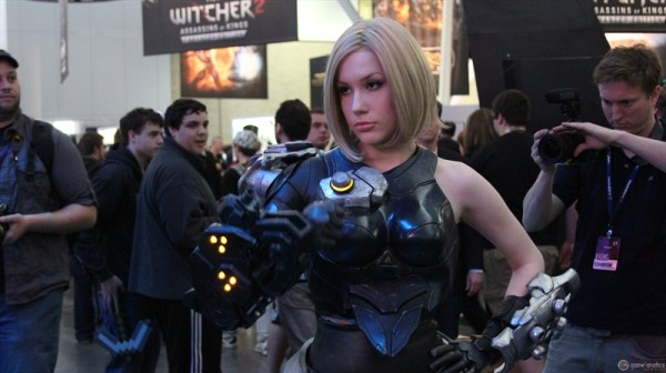 On a side note, here's an awesome Firefall Cosplay from PAX East two years ago