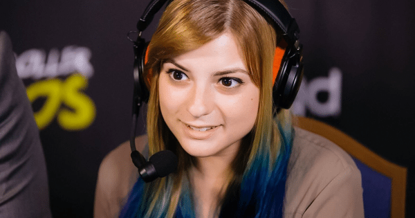 "Victoria ""VikkiKitty"" Perez alleges she was molested by pro Smash player Hyuga"