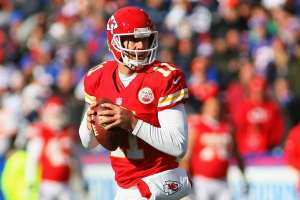 ORCHARD PARK, NY - NOVEMBER 03: Alex Smith #11 of the Kansas City Chiefs looks to pass against the Buffalo Bills at Ralph Wilson Stadium on November 3, 2013 in Orchard Park, New York. Kansas City won 23-13. (Photo by Rick Stewart/Getty Images)