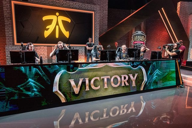Fnatic win quarterfinals over H2K