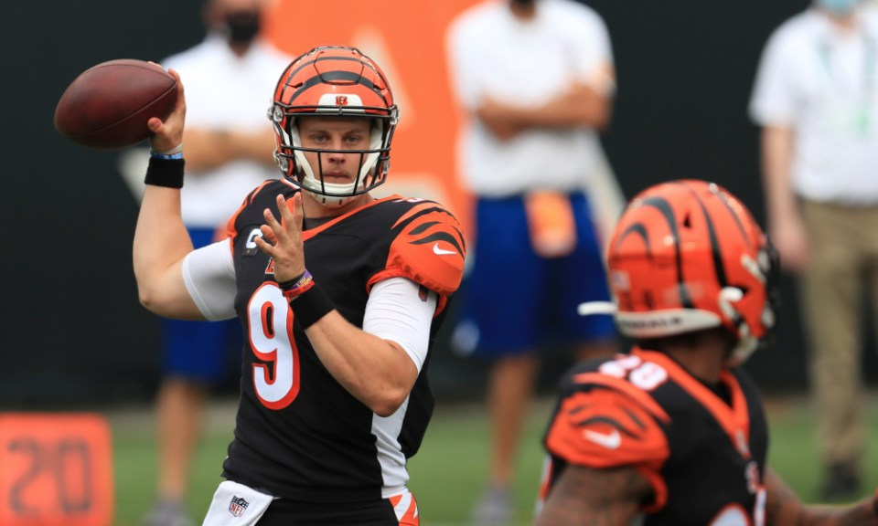 Titans Take on Lowly Bengals