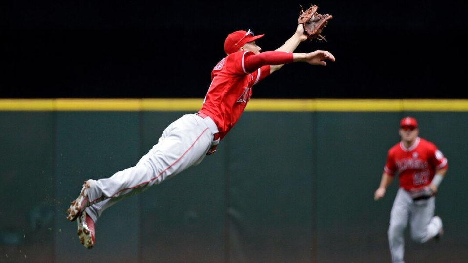 andrelton simmons free agent