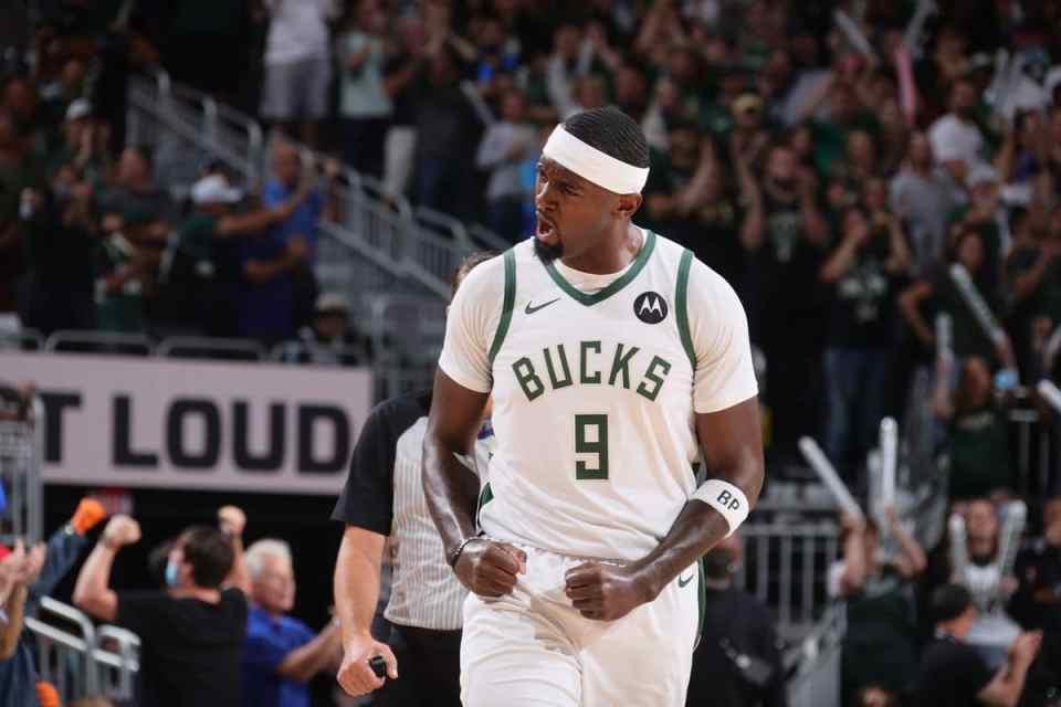 Milwaukee Bucks to Re-Sign Bobby Portis