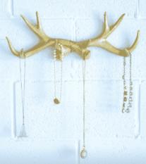 Source: DIY Metallic Antler Jewelry Hook