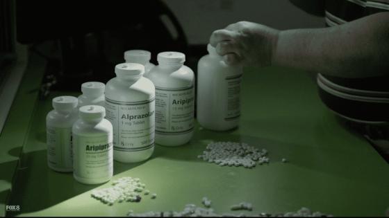 lmoe 3x13 possible pills