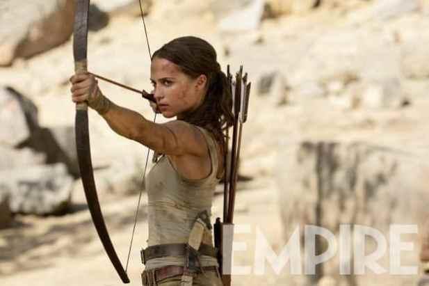 alicia-vikander-tomb-raider-bow-arrow