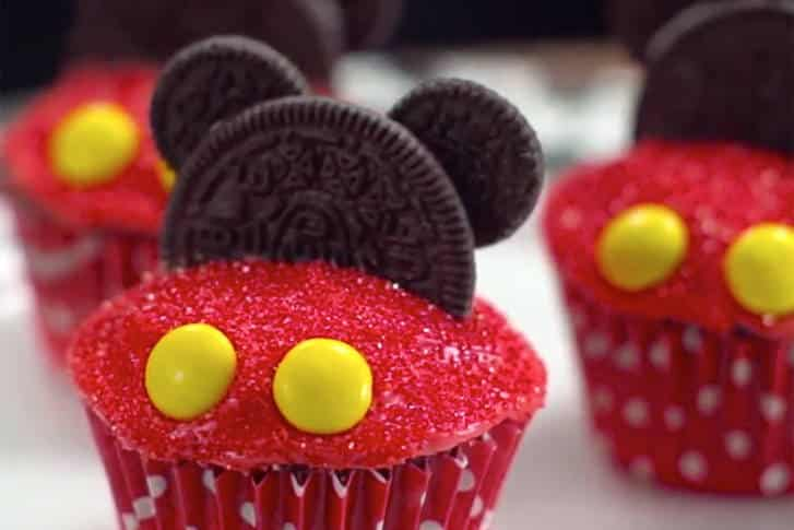 Tgon Bakes Mickey Mouse Cupcakes The Game Of Nerds