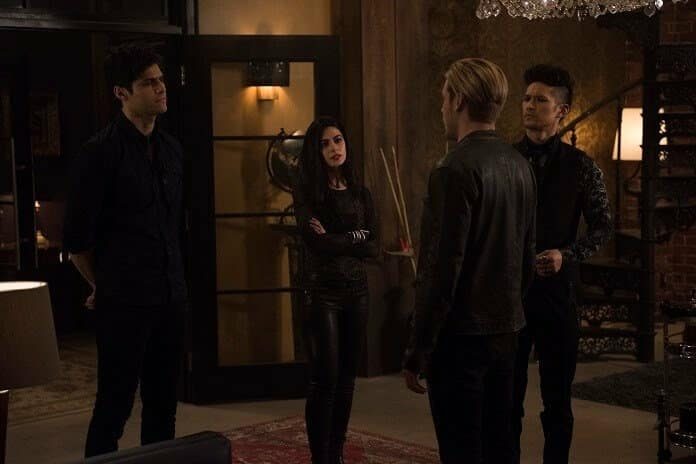 Matthew Daddario, Emeraude Toubia, and Harry Shum Jr in 'Shadowhunters' season 3 episode 8 (Freeform/John Medland)