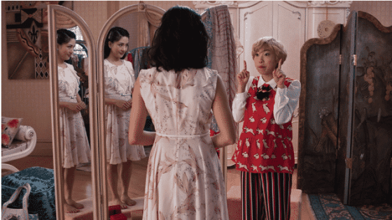 Constance Wu as Rachel Chu and Awkwafina as Goh Peik Lin in Crazy Rich Asians
