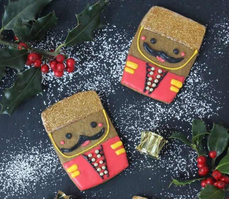 TGON-BAKES-THE-NUTCRACKER-GINGERBREAD-COOKIES
