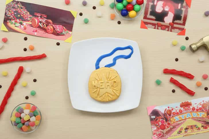 TGON-BAKES-WRECK-IT-RALPH-MEDAL-OF-HEROES
