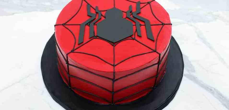 TGON-BAKES-SPIDERMAN-CAKE