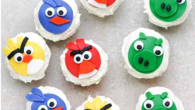 TGON-BAKES-ANGRY-BIRDS-CUPCAKES