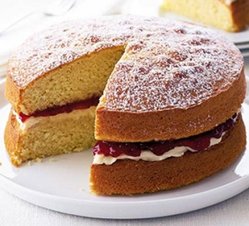TGON-BAKES-DOWNTON-ABBEY-VICTORIA-SPONGE