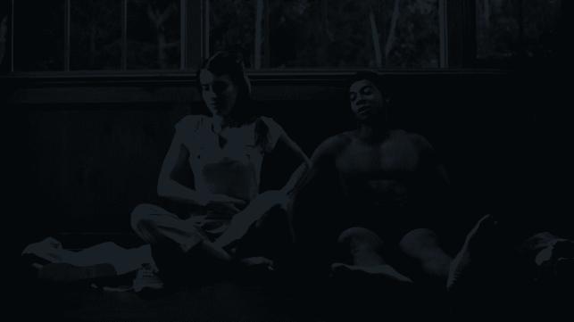 emma-roberts-deron-horton-american-horror-story-1984-season-9-episode-5-red-dawn