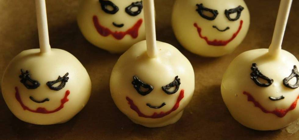 TGON-BAKES-THE-JOKER-CAKE-POPS