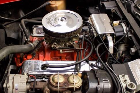 1973-chevrolet-corvette-stingray-motor