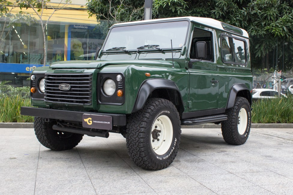 2002-land-rover-defender-the-garage-a-venda