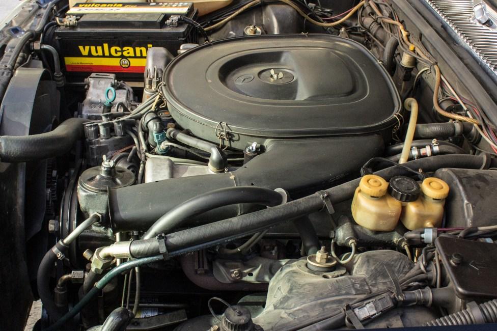 the-garage-vendo-carro-antigo