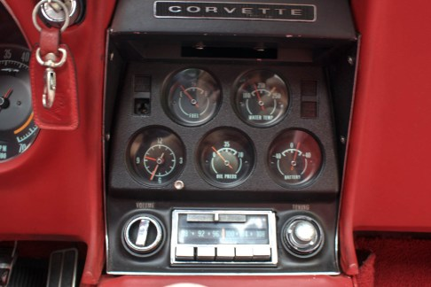 1968-corvette-stingray-the-garage-relogios