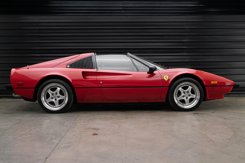 Ferrari 308 GTS 1978 pintura