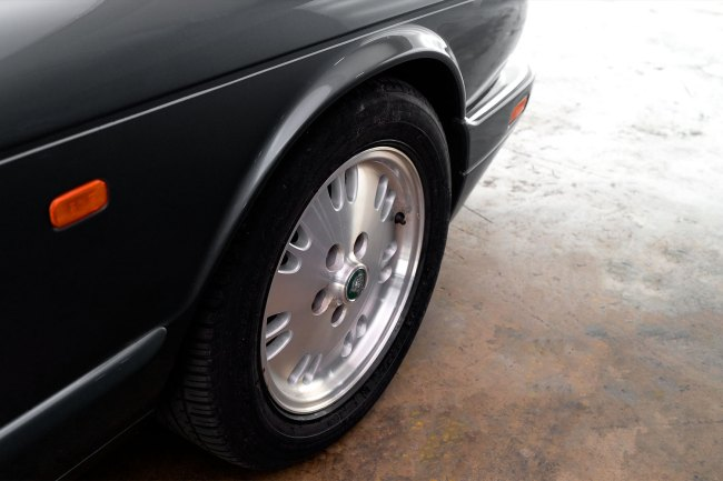 1995-jaguar-xj6-a-venda