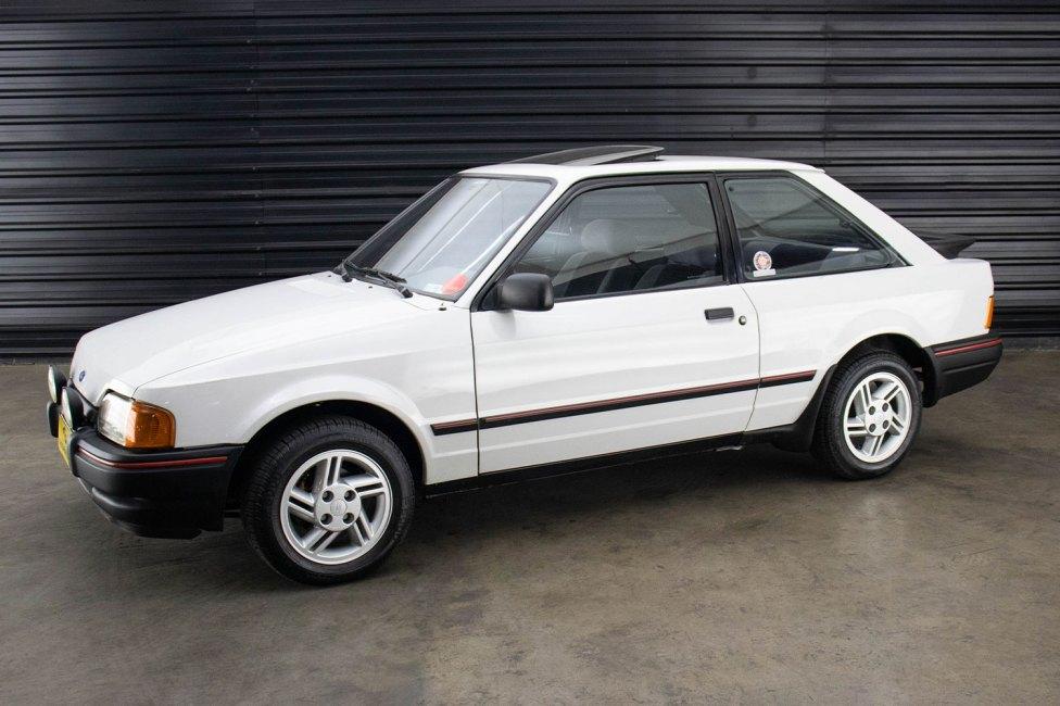 1989-ford-escort-xr3