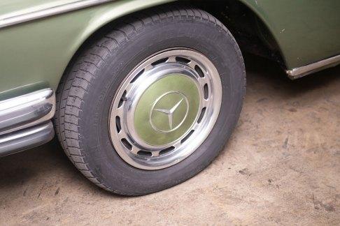 mercedes-250-ce-a-venda-na-the-garage