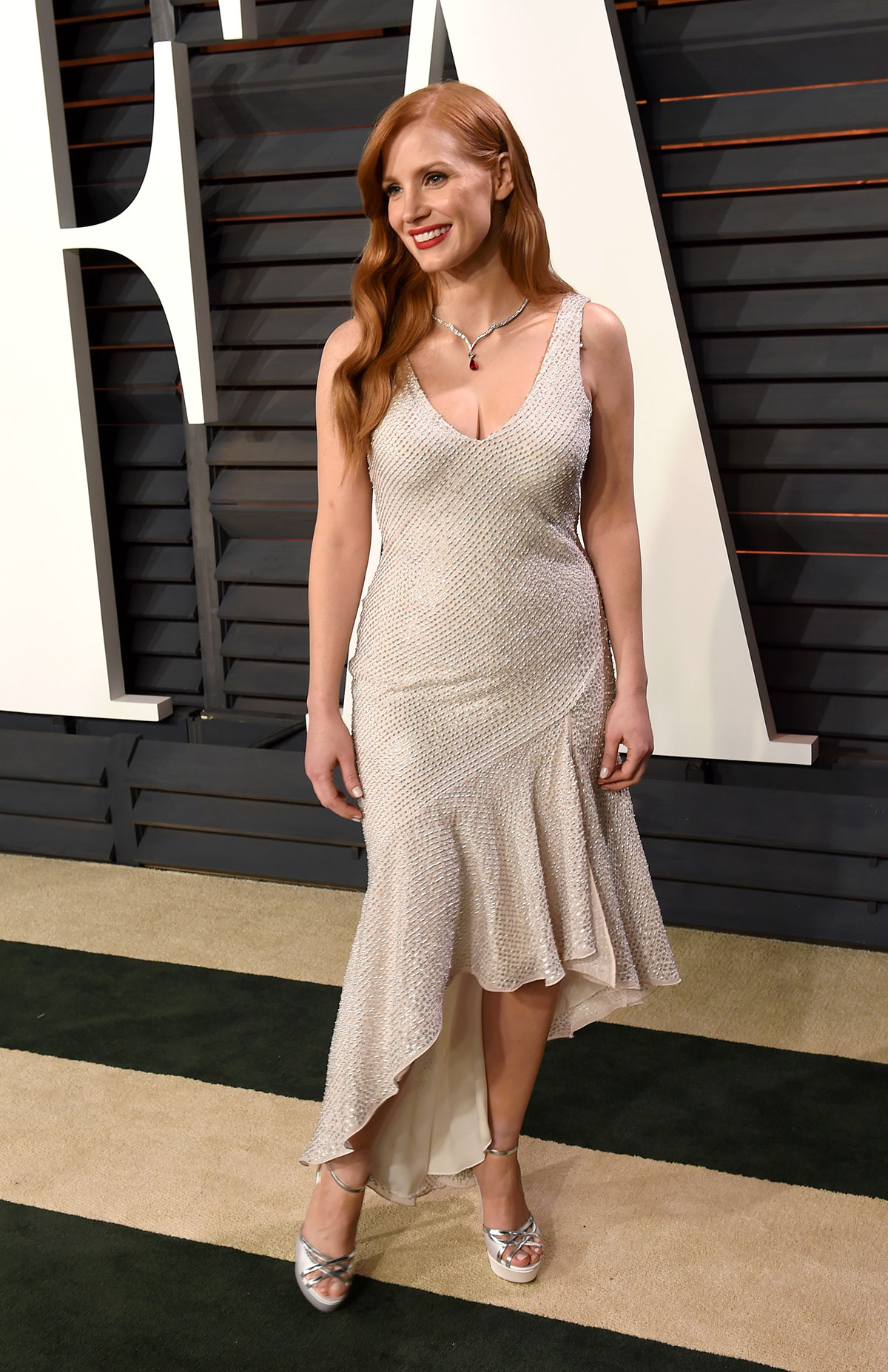 H m red cocktail dress sequins