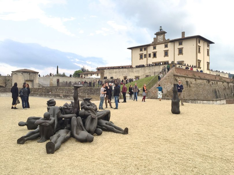 The_Garage_Starlets_Human_Art_Exhibition_Antony_Gormley_Expo_2015_Firence_Florence_03