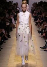 Christian Dior, Paris (fashion house) Maria Grazia Chiuri (designer) spring−summer 2017 ready-to-wear collection © Dior
