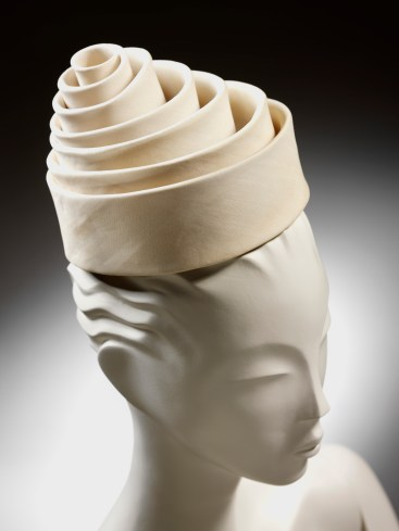 Spiral hat, silk, Balenciaga for EISA, Spain, 1962 © Victoria and Albert Museum, London
